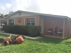 668 Caroline Ave, West Palm Beach, FL
