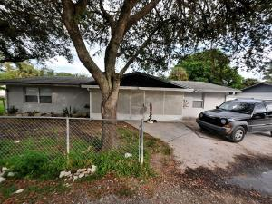 4211 Garrison Ln, Fort Pierce FL 34950