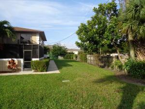 1482 N Lawnwood Cir #APT 32d, Fort Pierce FL 34950