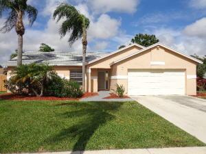 83 Cedar Cir, Boynton Beach FL 33436