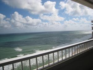 5280 N Ocean Dr #11-B, Singer Island, FL 33404