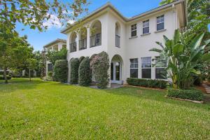 947 Mill Creek Dr, Palm Beach Gardens, FL 33410
