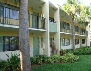 417 Meadows Cir, Boynton Beach FL 33436