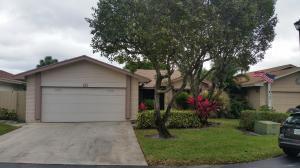10 Islington Pl, Boynton Beach FL 33426