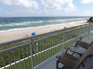 2780 S Ocean Blvd #APT 401, Palm Beach FL 33480
