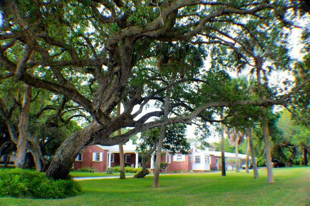 805 S Indian River Dr, Fort Pierce, FL 34950