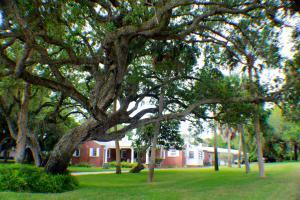 805 S Indian River Dr, Fort Pierce FL 34950