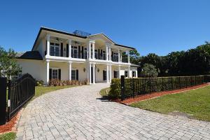 2090 NW Pine Tree Way, Stuart, FL 34994