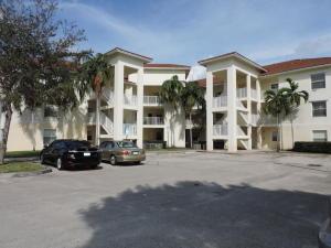 2941 Riverside Dr #APT 204, Pompano Beach FL 33065
