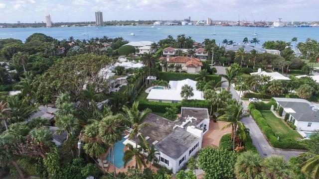 220 Onondaga Ave, Palm Beach, FL 33480