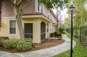 6324 W Sample Rd #APT 6324, Pompano Beach, FL
