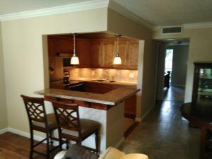 3100 Springdale Blvd #308, Palm Springs, FL 33461