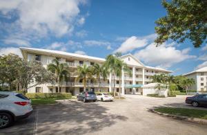 6181 Balboa Cir #APT 102, Boca Raton, FL