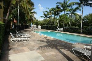 1610 Presidential Way #APT 107, West Palm Beach, FL