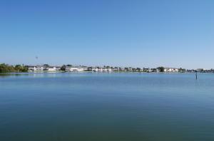 1153 Bayshore Dr #APT 201, Fort Pierce FL 34949