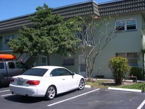 323 Leeward Ln #APT 105, Fort Pierce FL 34949