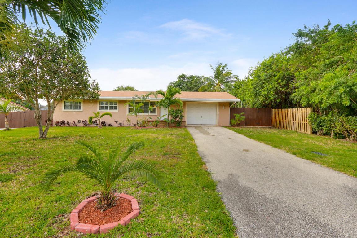 380 NW 36th Ct, Boca Raton, FL 33431