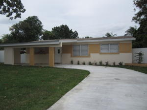 2104 W Carrol Cir, West Palm Beach, FL