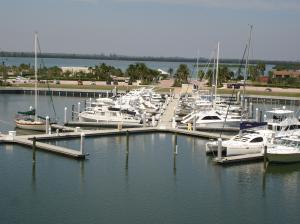 16 Harbour Isle Dr #APT 304, Fort Pierce FL 34949