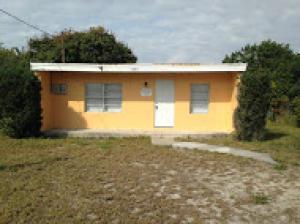 1605 N 13th St, Fort Pierce FL 34950