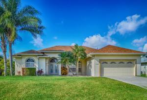 2820 SE Tate Av Ave, Port Saint Lucie FL 34984