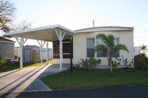 11055 SE Federal Hwy #APT 22, Hobe Sound FL 33455