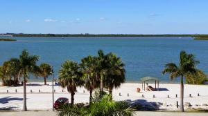 35 Harbour Isle Dr #APT PH02, Fort Pierce FL 34949