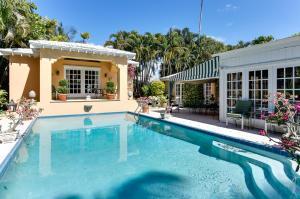 257 Fairview Rd, Palm Beach FL 33480