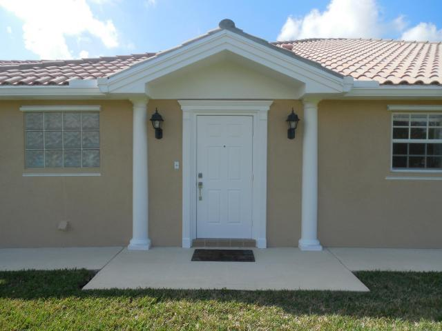 10623 SW Hartwick Drive, Port Saint Lucie, FL 34987