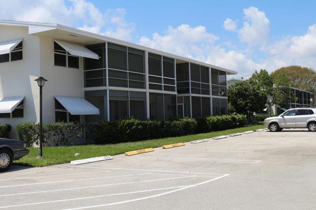 620 W Horizons #202, Boynton Beach, FL 33435