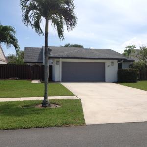 68 Baytree Ln, Boynton Beach FL 33436