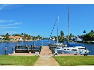 9230 SE Yacht Club Cir, Hobe Sound FL 33455
