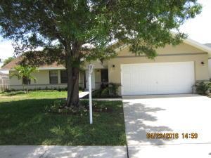 14 Cedar Cir, Boynton Beach FL 33436