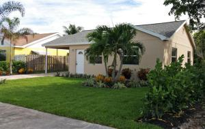 1114 S M St, Lake Worth, FL 33460