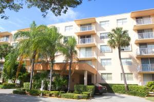 480 Executive Center Dr #APT 2D, West Palm Beach, FL