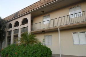 6048 Forest Hill Blvd #APT 203, West Palm Beach FL 33415