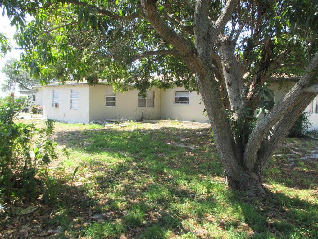 222 NW 3rd Court, Boynton Beach, FL 33435