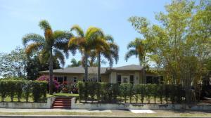 1004 Avon Rd, West Palm Beach FL 33401