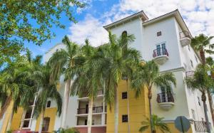 22703 Camino Del Mar #APT 36, Boca Raton FL 33433