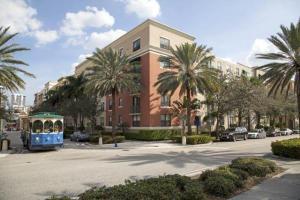 630 S Sapodilla Ave #APT 420, West Palm Beach FL 33401