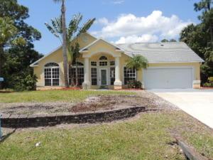 2233 SW Crocus Ln, Port Saint Lucie, FL
