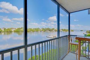 3525 S Ocean Blvd #APT 304, Palm Beach FL 33480