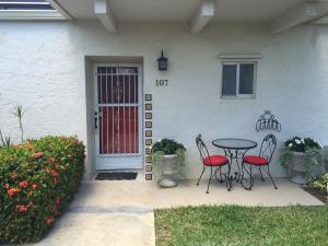 2651 Boundbrook Blvd #107, West Palm Beach, FL 33406