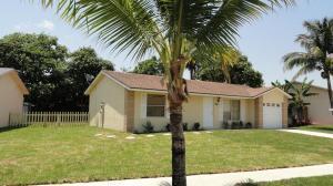 7281 Willow Spring Cir, Boynton Beach FL 33436