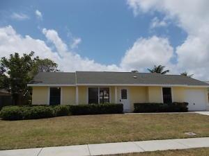 8425 Elaine Dr, Boynton Beach, FL