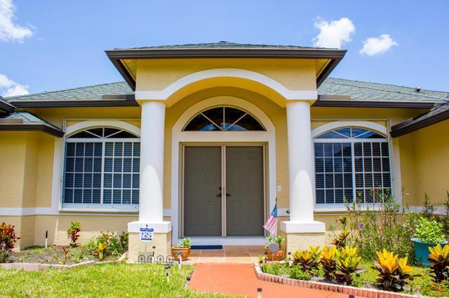 5464 NW Model Ct, Port Saint Lucie, FL 34986