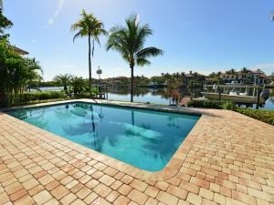 9195 SE Cove Point St, Jupiter, FL