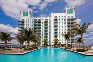 300 S Australian Ave #APT 818, West Palm Beach FL 33401