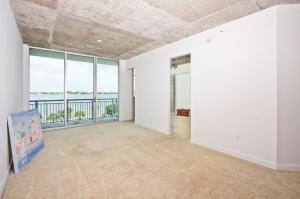 300 S Australian Ave #APT 327, West Palm Beach FL 33401