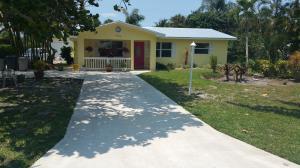 8187 SE Coconut St Hobe Sound, FL 33455